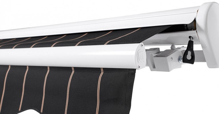 How To Remove And Maintain Your Awning Valance