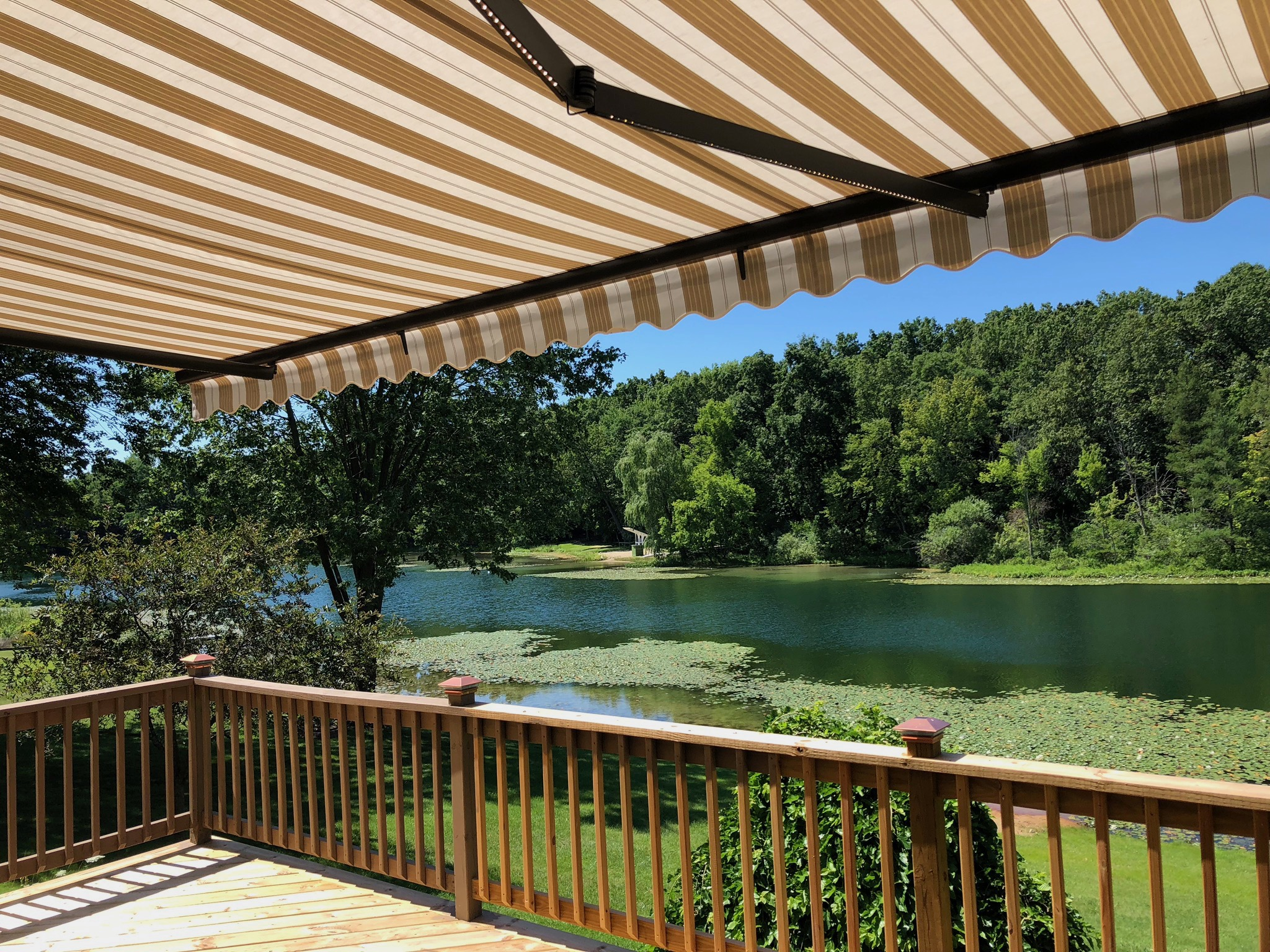 Retractable awnings New Jersey