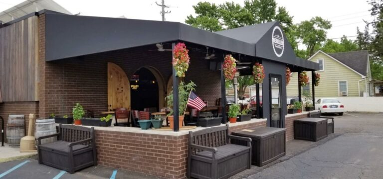 Top 3 exterior commercial awning-types - restaurant awnings - Marygrove Awnings