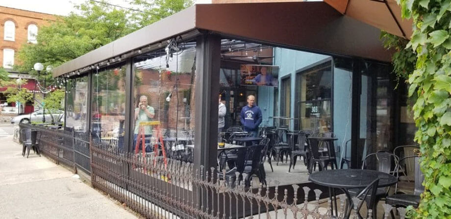 Window shades and solar screens - restaurant awnings - Marygrove Awnings